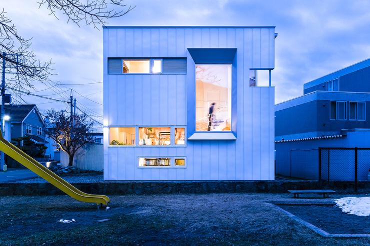 一級建築士事務所 Atelier Casa Minimalist houses Iron/Steel White