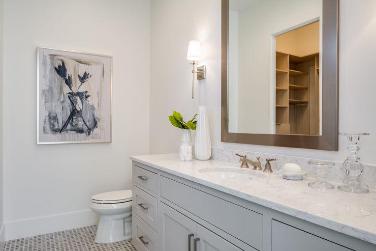 CLIFFSIDE MANOR MYKALS PHOTOGRAPHY BathroomTextiles & accessories