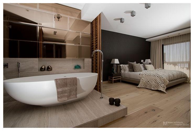 Costa Brava Make Architects + Interior Studio Modern bathroom