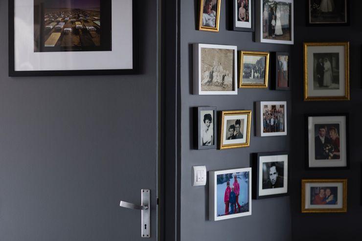 Couloir Olivier Francheteau Couloir, entrée, escaliersAccessoires & décorations Gris
