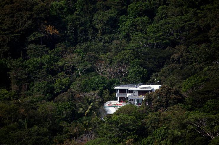 Casa Torcida SPG Architects Modern Houses