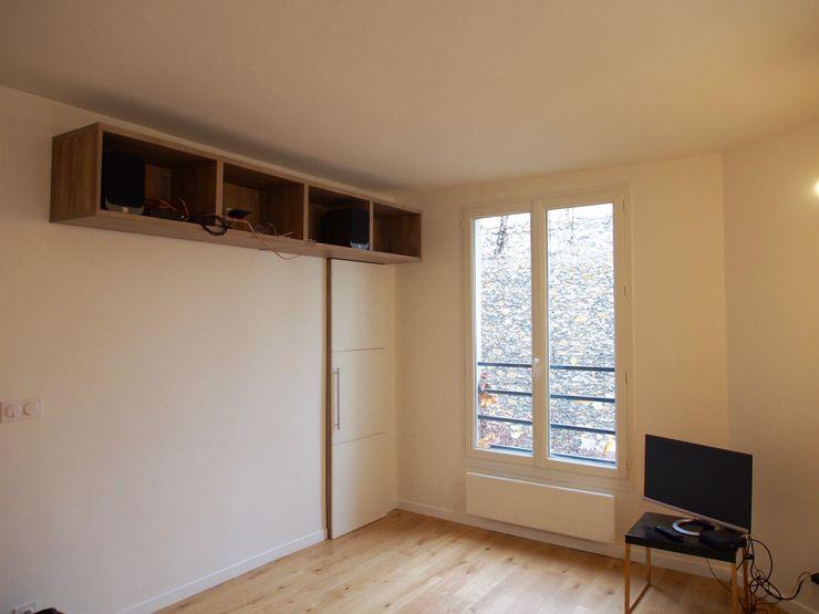 deSYgn by JM2 Modern Living Room