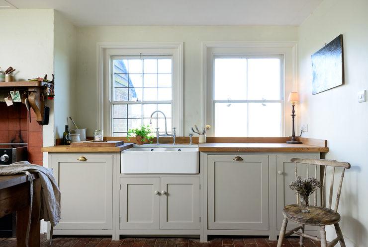 The Lidham Hill Farm Kitchen by deVOL deVOL Kitchens Kitchen White