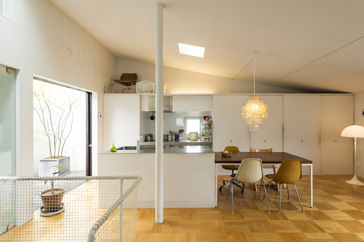 トクモト建築設計室 Modern kitchen