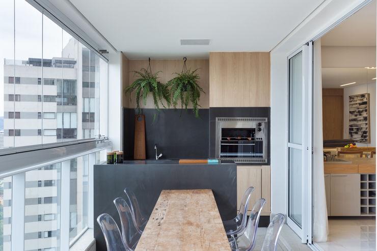 Haruf Arquitetura + Design Balcones y terrazas modernos