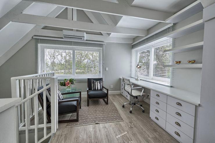 House Couture Interior Design Studio Ruang Studi/Kantor Gaya Eklektik