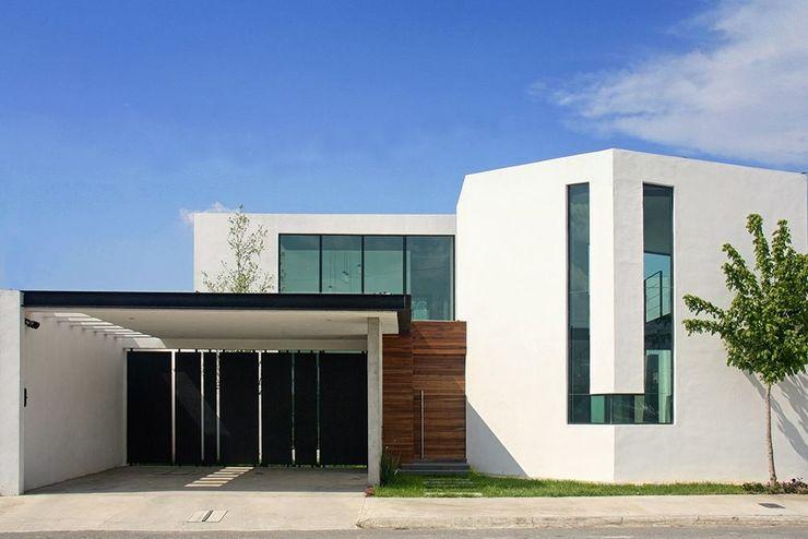 Fachada principal Narda Davila arquitectura Casas industriales