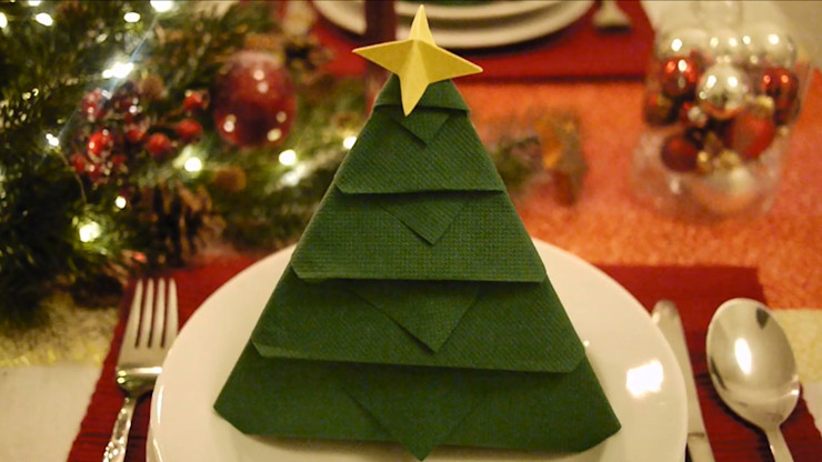 Christmas Tree Napkin Folding DIY Step 33 homify Dining roomAccessories & decoration Paper Green