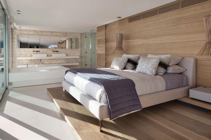Roca Llisa ARRCC Modern style bedroom