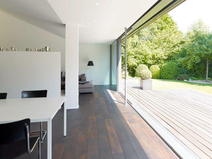 Burckhardt Metall Glas GmbH Гостиная в стиле модерн