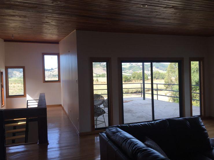 GerSS Arquitectos 現代風玄關、走廊與階梯