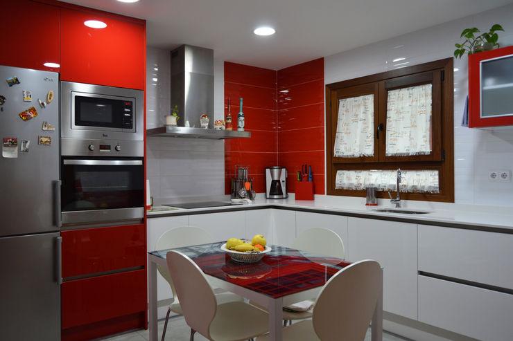Gaveteros Estudio de Cocinas Musa Cocinas modernas Rojo