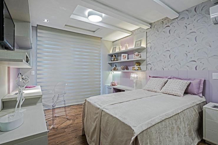 TRÍADE ARQUITETURA Modern style bedroom