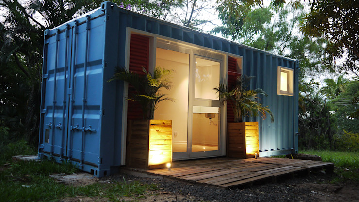 homify Eclectic style houses Metal Blue