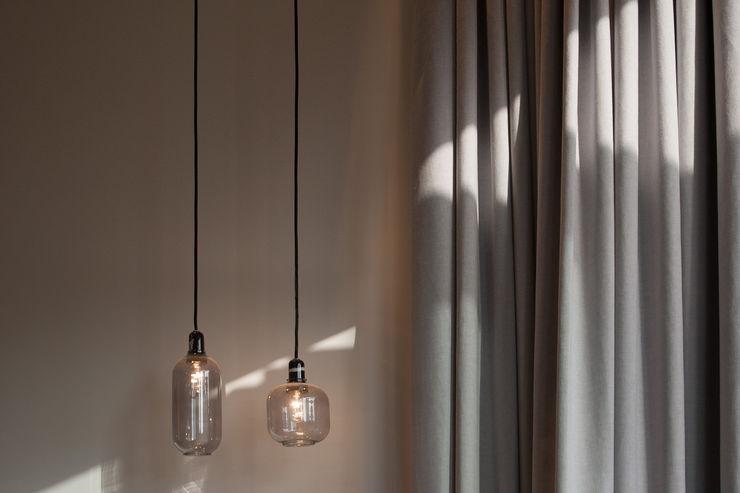 Cute Lightings Sensearchitects Limited Minimalist bedroom Glass Grey