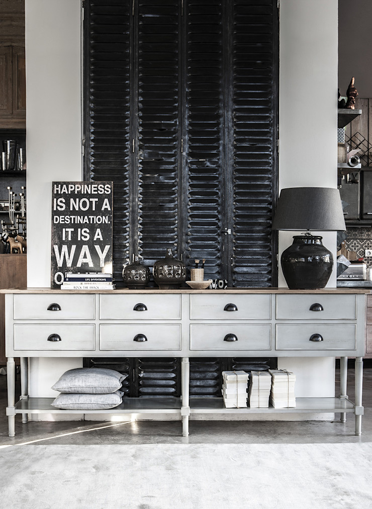 Conexo. Modern Corridor, Hallway and Staircase Solid Wood Grey