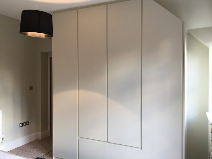 Oyster white hinged door wardrobes with handleless doors and drawers Sliding Wardrobes World Ltd BedroomWardrobes & closets