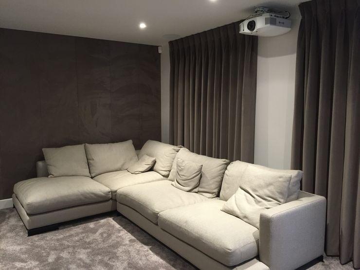 Cinema Room with bespoke suede fabric walls Designer Vision and Sound Salas multimídia modernas