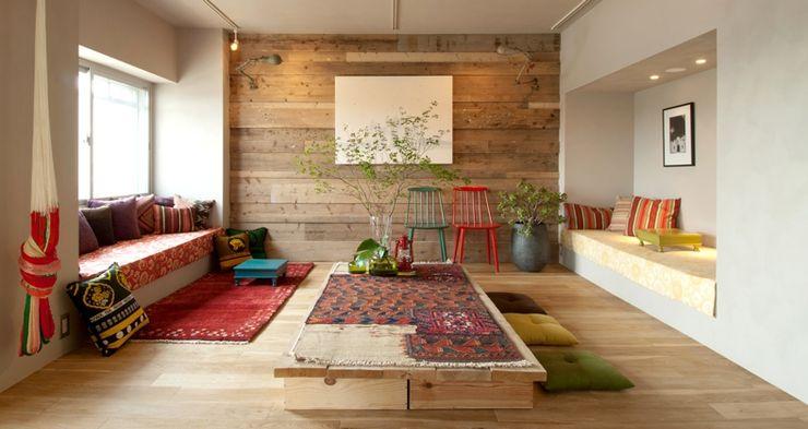 TATO DESIGN:タトデザイン株式会社 Mediterranean style living room Wood Wood effect