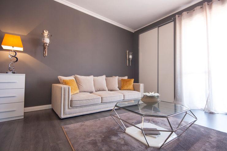 DemianStagingDesign Modern living room Grey
