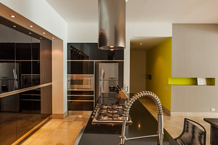 MORADA CUATRO Modern Kitchen
