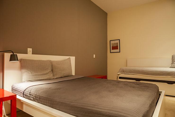 MORADA CUATRO Modern Bedroom