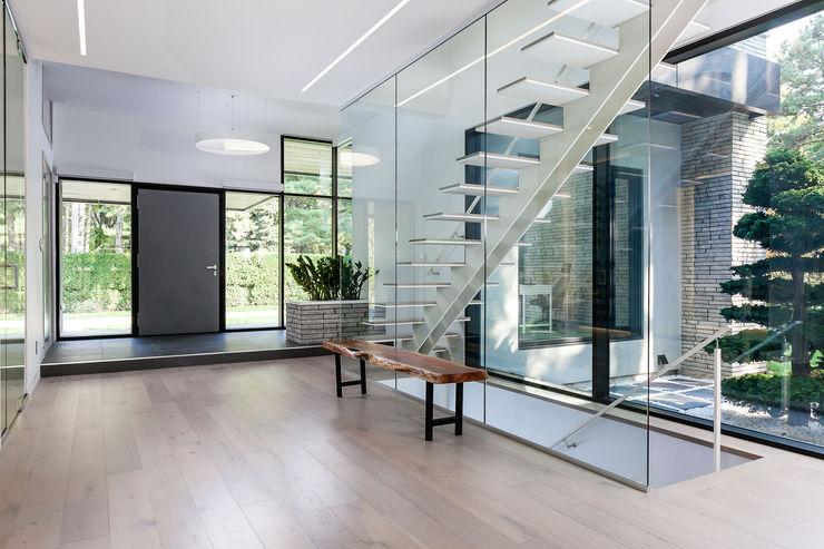 Frahm Interiors Modern Corridor, Hallway and Staircase