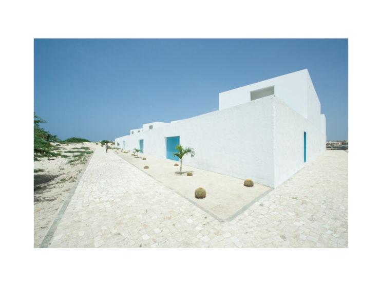 Nuno Almendra Modern houses