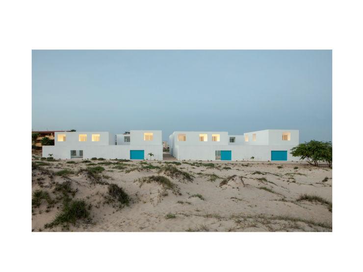 Nuno Almendra Minimalist houses