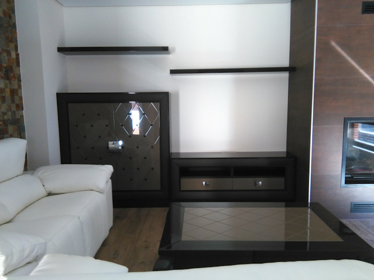 SQ-Decoración Living roomTV stands & cabinets