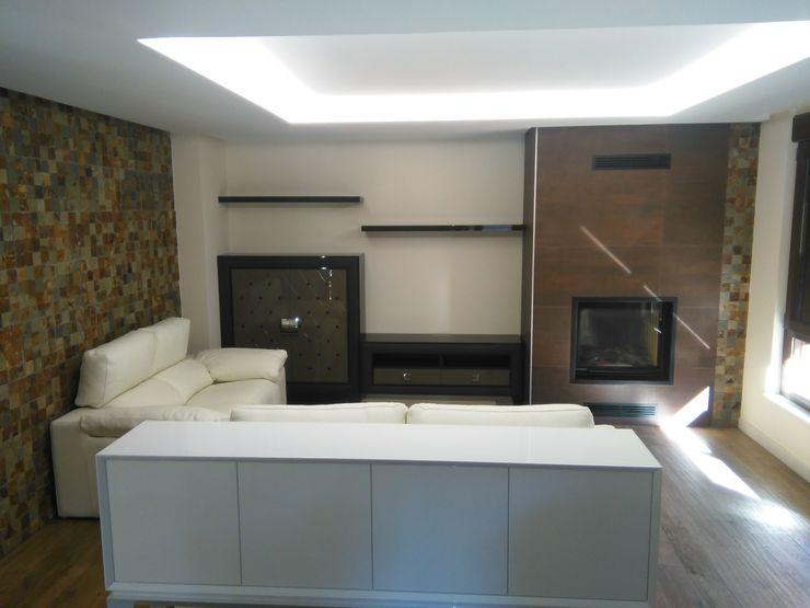 SQ-Decoración Living roomCupboards & sideboards
