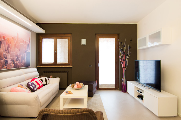 HOME SWEET (CANDY) HOME Rachele Biancalani Studio Soggiorno moderno Marrone