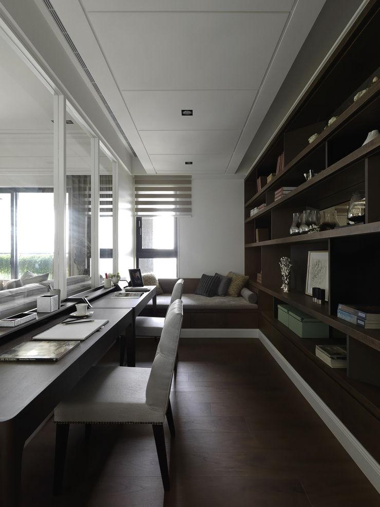 英式古典情挑 大荷室內裝修設計工程有限公司 Study/office