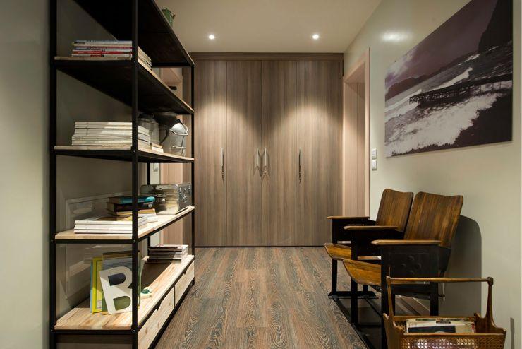 Progettazione di un Bed and Breakfast Studio Maggiore Architettura Ingresso, Corridoio & Scale in stile eclettico