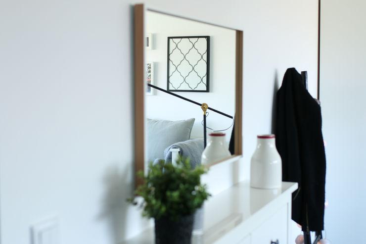 Perfect Home Interiors Scandinavian style corridor, hallway& stairs