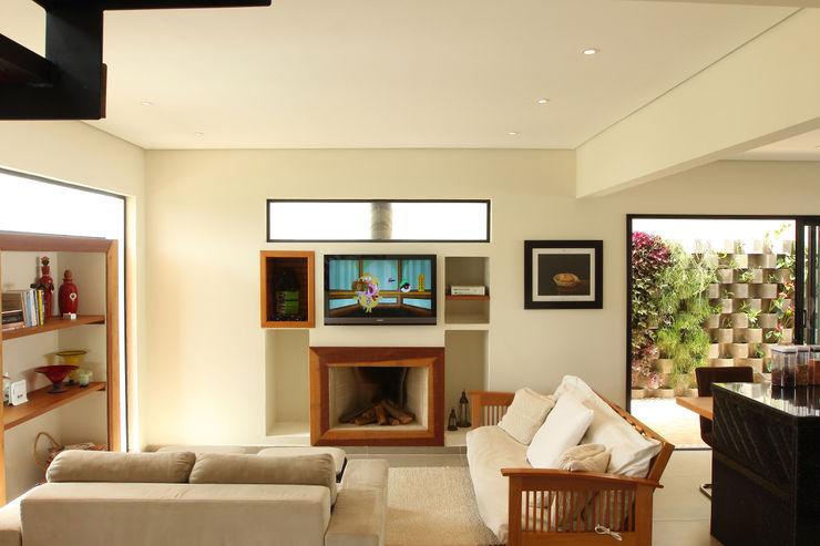 Taguá Arquitetura 现代客厅設計點子、靈感 & 圖片