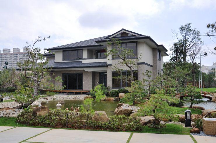 翔霖營造有限公司 Classic style houses Wood-Plastic Composite White