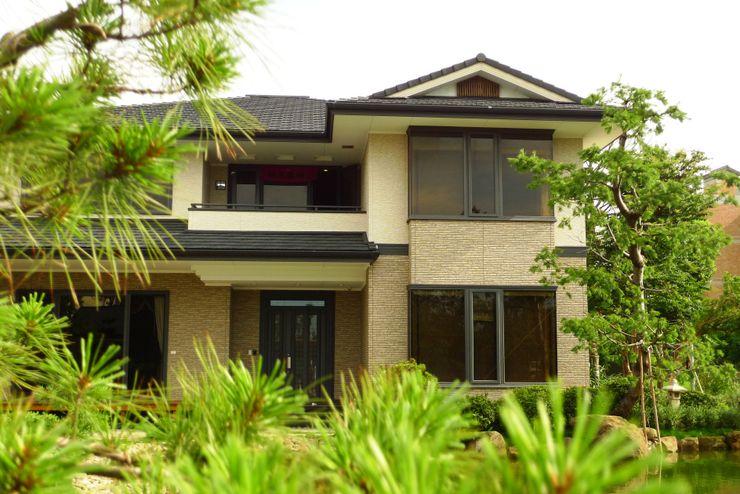 翔霖營造有限公司 Casas de estilo clásico Compuestos de madera y plástico Blanco