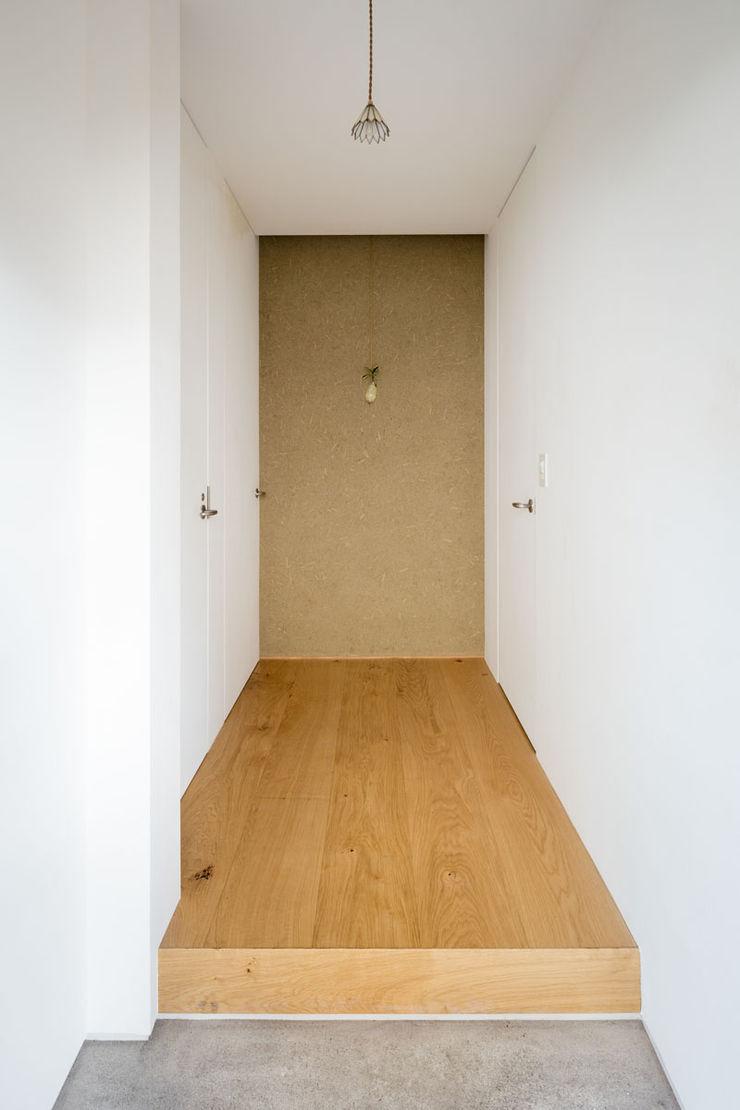 ディンプル建築設計事務所 Moderne muren & vloeren