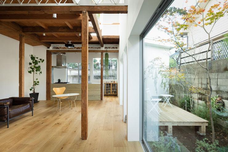 ディンプル建築設計事務所 Moderne balkons, veranda's en terrassen