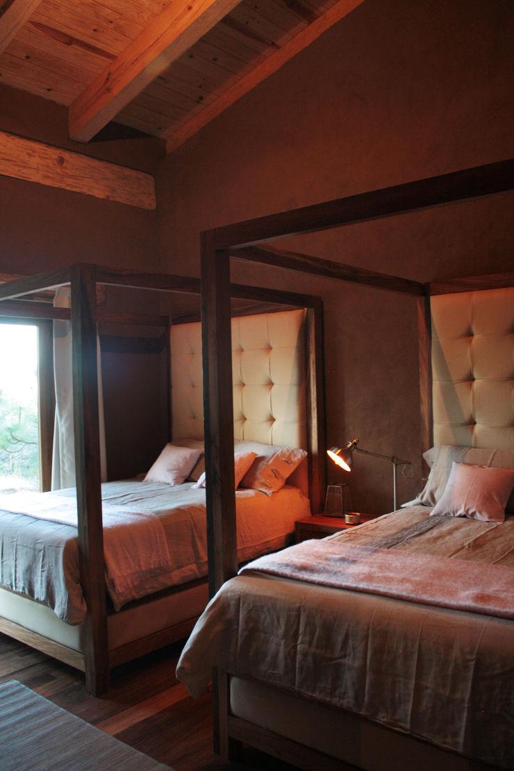 MORADA CUATRO Rustic style bedroom