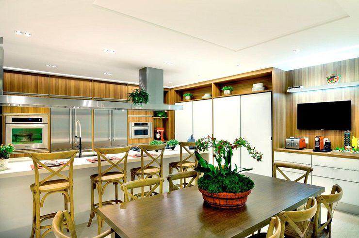 Quitete&Faria Arquitetura e Decoração 現代廚房設計點子、靈感&圖片