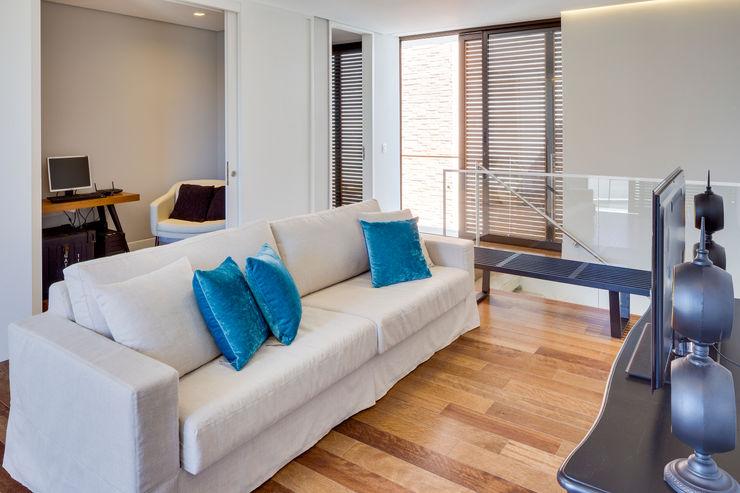 Arqbox Modern living room Wood effect