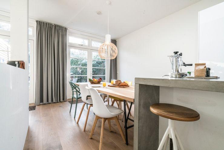 Masters of Interior Design Modern Kitchen Concrete Wood effect