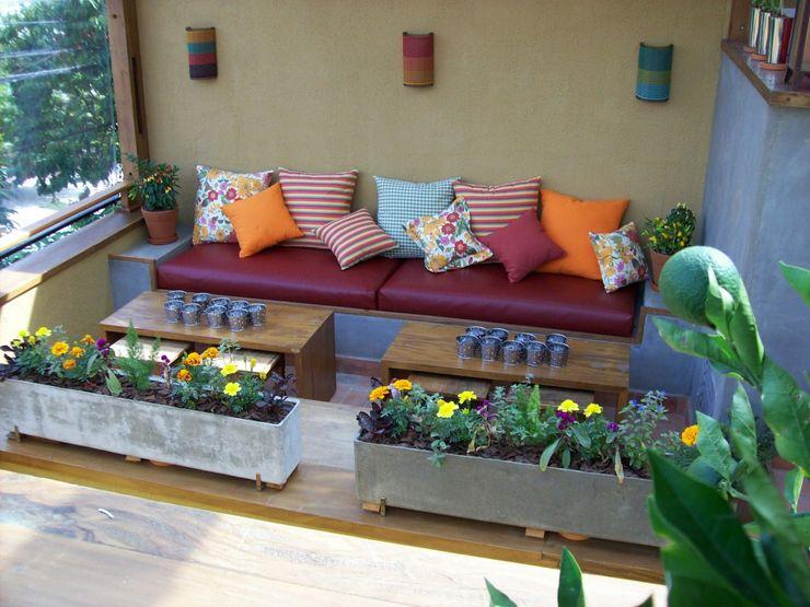 Empório Brasil Marcenaria Jardines de estilo rústico Madera maciza