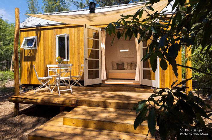 Sol Haus Design - Vina's Tiny House - Exterior 3 Chibi Moku Architectural Films Minimalistische Häuser Holzwerkstoff Holznachbildung