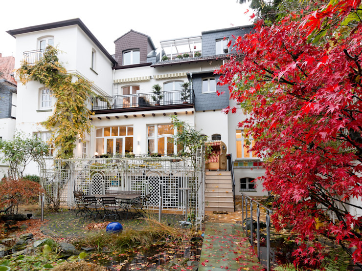 28 Grad Architektur GmbH Classic style houses
