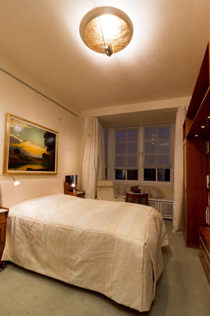 28 Grad Architektur GmbH Classic style bedroom