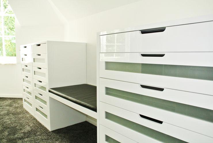Ankleide Planungsbüro für Innenarchitektur Moderne Ankleidezimmer