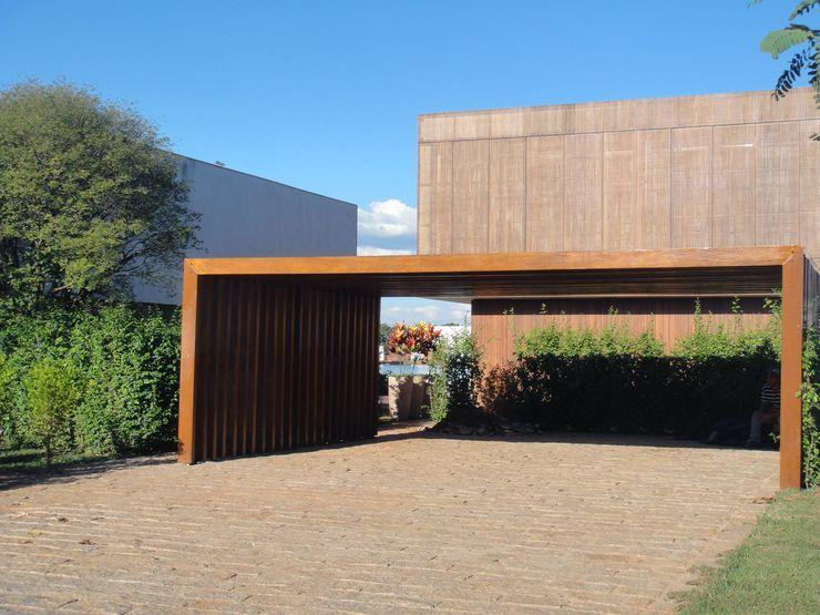 EKOA Paisagismo Tropical style garden
